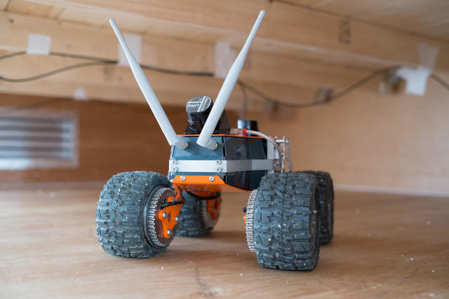Innovative Robot Applies Spray Foam in Tight Crawl Spaces
