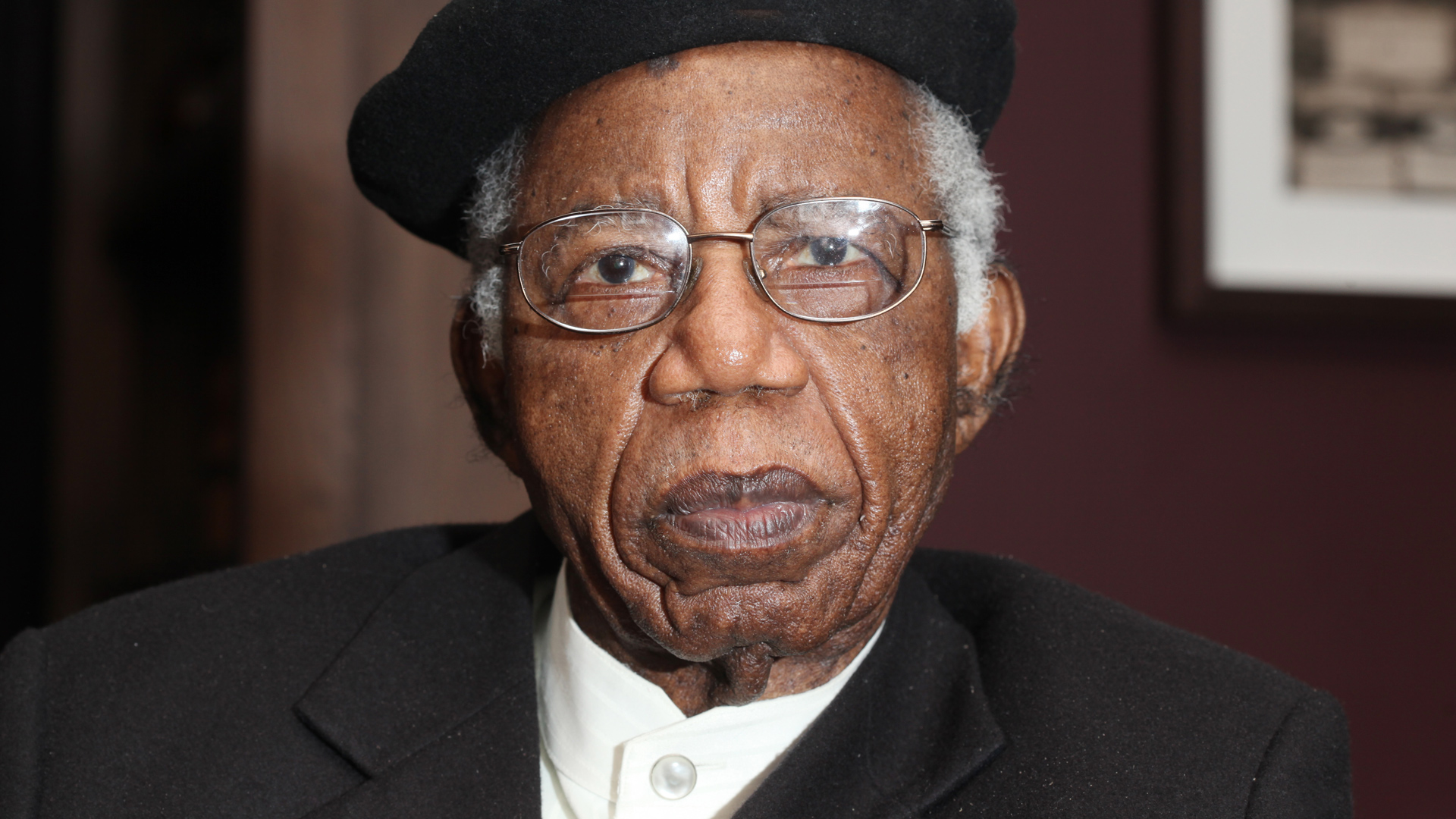 chinua achebe the social encyclopedia chinua achebe the second death of chinua achebe why facebook twitter